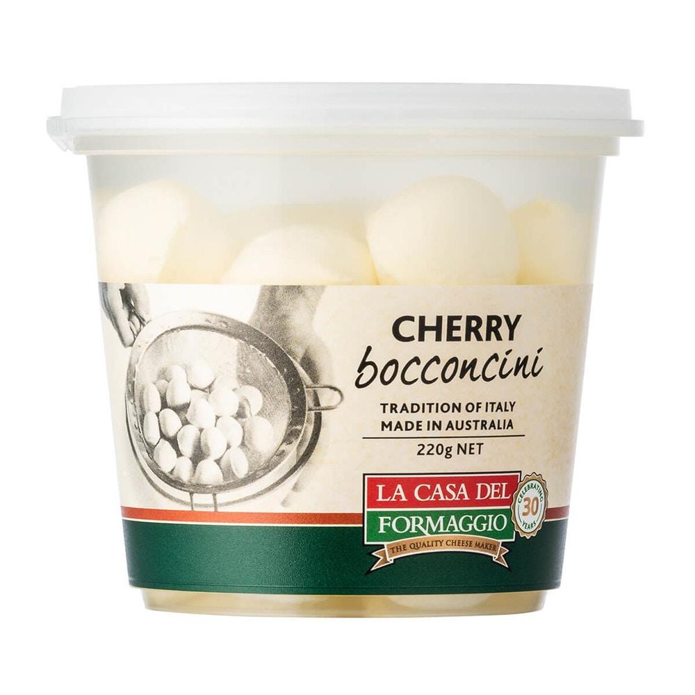 Cherry bocconcini - keto snack.